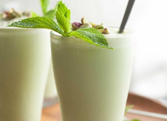 Iced-Matcha-Mint-Pistachio-Latte-gourmandeinthekitchen.com_